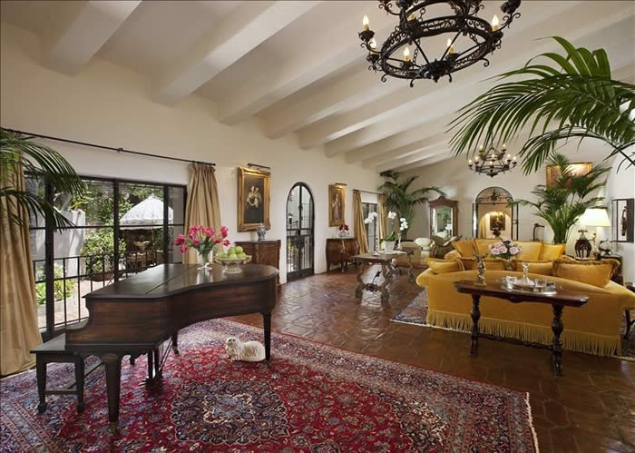 52' Long Living Room designed from London Stage w/ Grand Piano